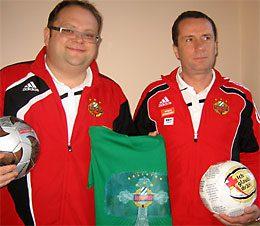 """Calcio, l'Austria si domanda: """"Ma se il diavolo veste Prada, il Papa ha scelto adidas?"""""""