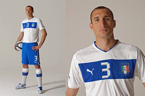 italia-puma-chiellini-away-kit-euro-2012
