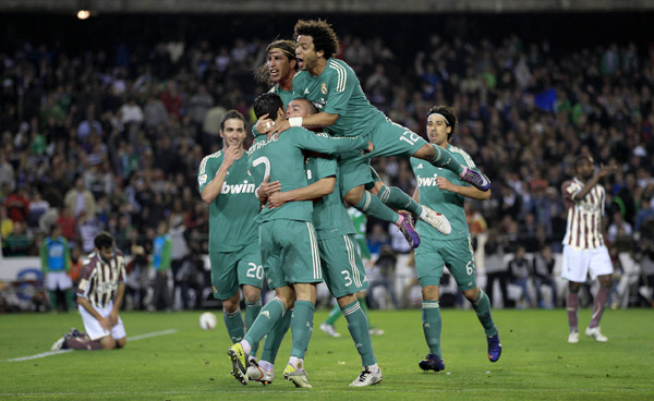 real-madrid-camiseta-verde-adidas-2012-13