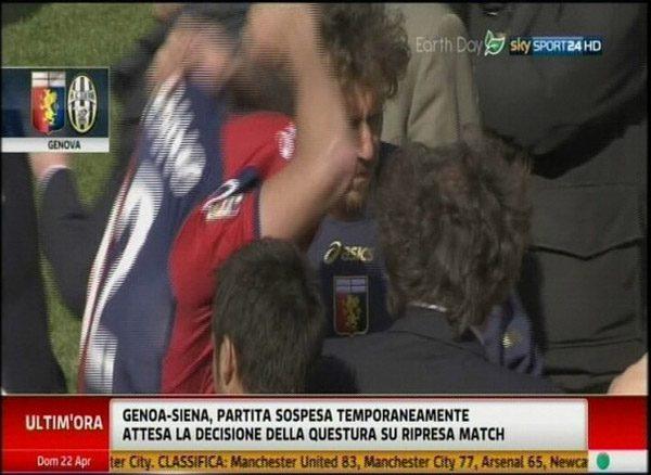Marassi-giocatori-Genoa-costretti-a-togliere-la-maglia