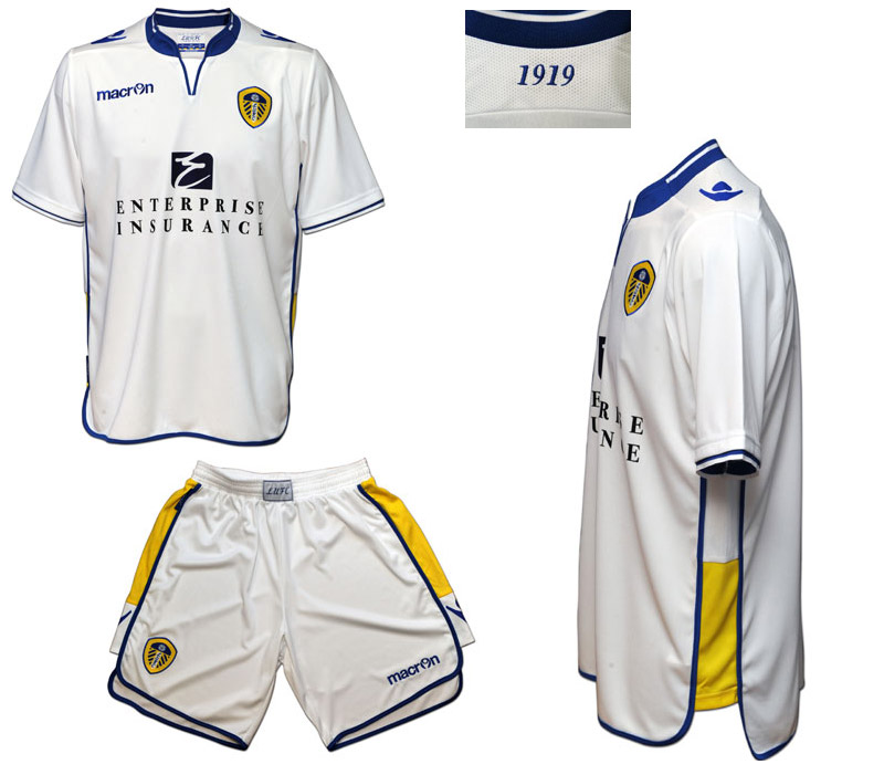 macron-leeds-united-home-kit-2012-13