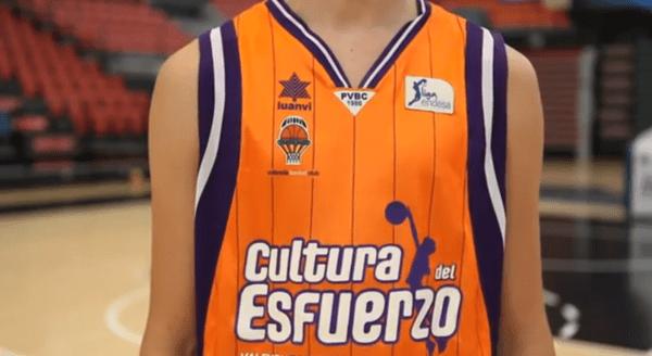 Basket, Valencia ancora con <i>camisetas que hablan</i>