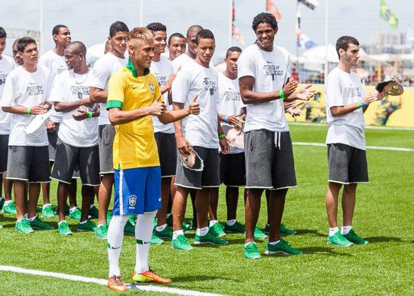 maglia-del-brasile-nike-2013-neymar