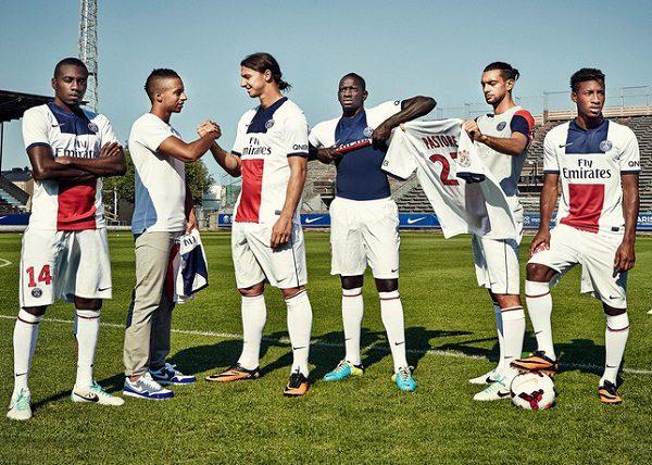 paris-saint-germain-2013-2014-maglia-bianca-away-nike