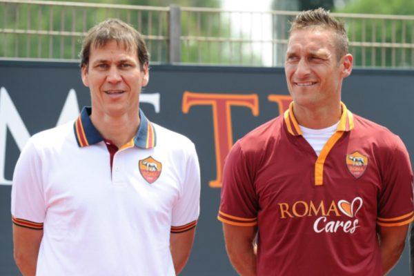 nuova-maglia-della-roma-2013-14-no-logo