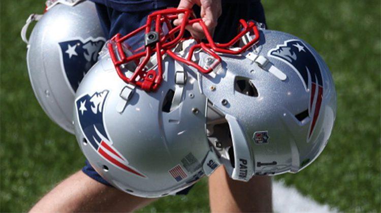 football-americano-equipaggiamento-caschi