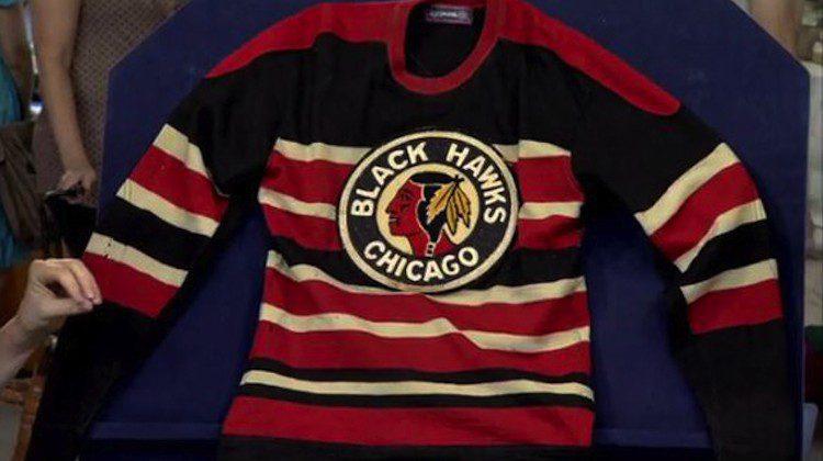 Maglia dei Chicago Blackhawks 1937-38 scoperta in tv