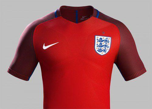 Inghilterra, maglia rossa 2016 di Nike (2)