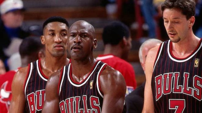 Maglia Chicago Bulls nera Jordan, Pippen, Kucoc