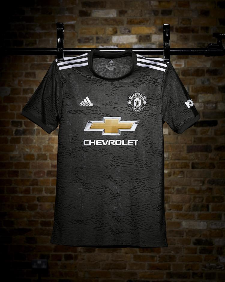 Manchester United, maglia 2020-21 di adidas | Ama la Maglia